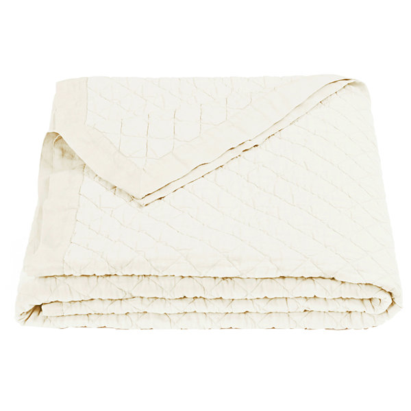 HiEnd Accents Vintage White Diamond Quilt