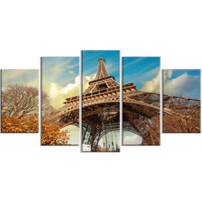 Designart Eiffel With Winter Vegetation Skyline PhotographyCanvas Art - 5 Panels