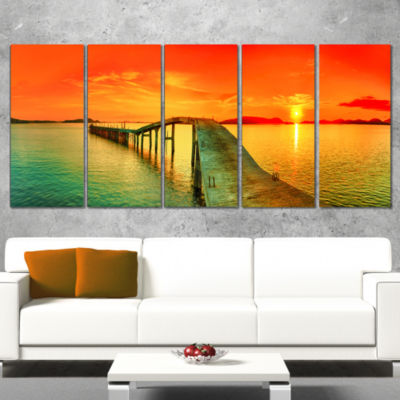 Designart Fabulous Sunset Panorama Photography Seascape Canvas Print - 5 Panels