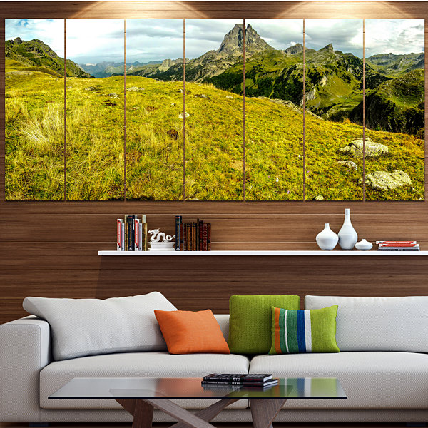 Designart Bright Green Mountain Panorama LandscapeLarge Canvas Art Print - 5 Panels