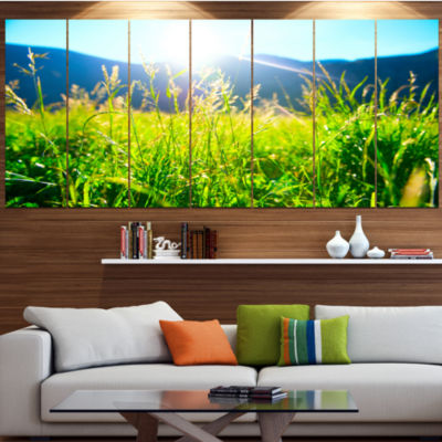 Designart Beautiful Green Nature Wonder LandscapeCanvas Art Print - 7 Panels