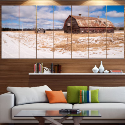 Designart Farm Field Barn Ranch Landscape Large Canvas Art Print - 5 Panels
