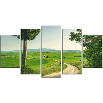 Designart Tuscan Place In Rural Area Landscape Large Canvas Art Print - 5 Panels