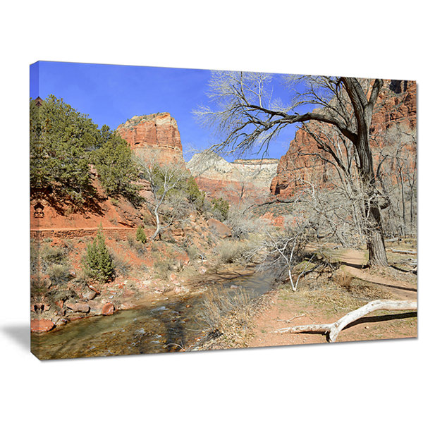 Designart Red Rock Mountain In Zion Park LandscapeCanvas Art Print