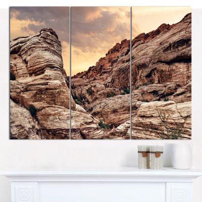 Designart Scenic Red Rock Canyon In Nevada Landscape Canvas Art Print - 3 Panels