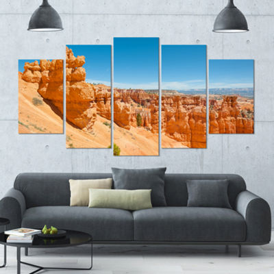 Designart Beautiful Bryce Canyon Landscape LargeCanvas Art Print - 5 Panels