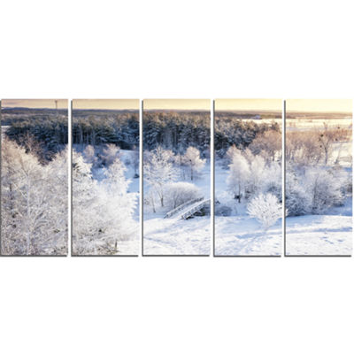 Designart Beautiful Winter Panorama Large Landscape Canvas Art Print - 5 Panels