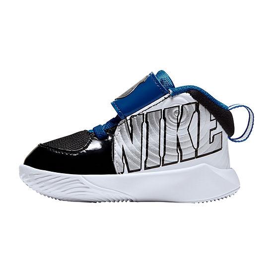 Nike Boys' Team Hustle D 9 TD Basketball Shoe