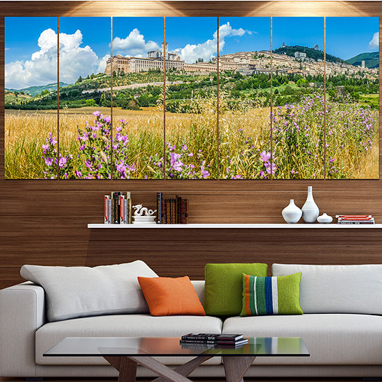 Designart Ancient Town Of Assisi Panorama Landscape Canvas Art Print - 7 Panels