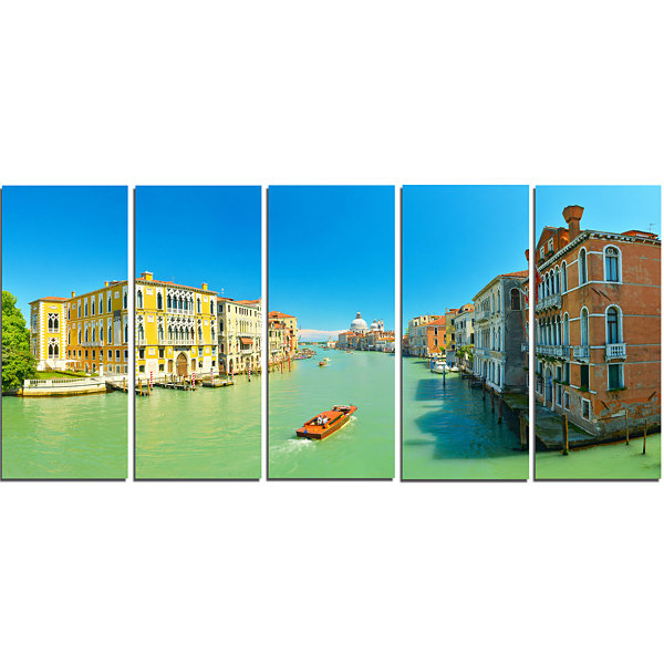 Designart Green Grand Canal Venice Landscape Canvas Art Print - 5 Panels
