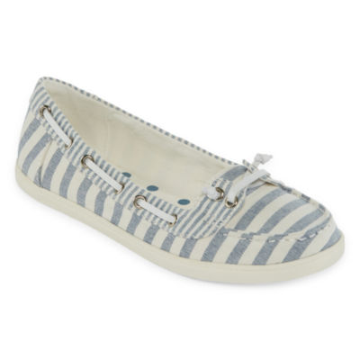 Arizona Womens Harber  Closed Toe Slip-On Shoe