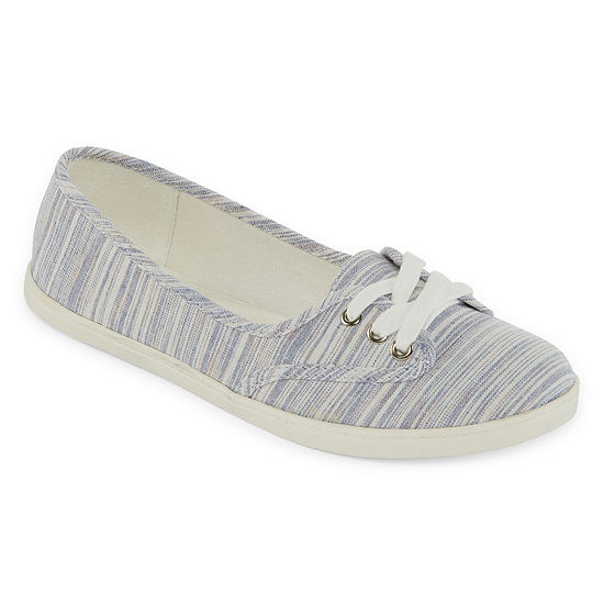 Arizona Womens Hattie Closed Toe Slip-On Shoe