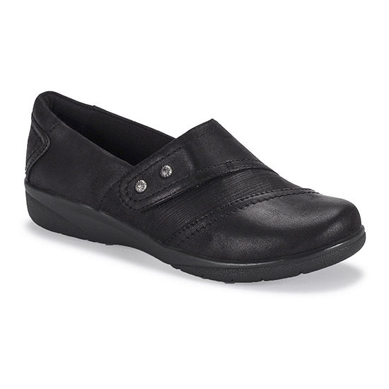 Bare Traps Womens Darma Clogs