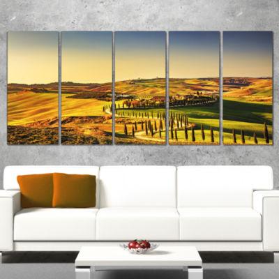 Designart Crete Senesi Rural Landscape Tuscany Oversized Landscape Wall Art Print - 5 Panels