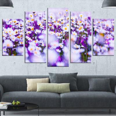 Designart Daisy Field Photography Panorama FloralCanvas Art Print - 5 Panels