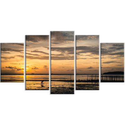 Dawn At Seaside During Low Tide Modern Seashore Wrapped Canvas Art - 5 Panels