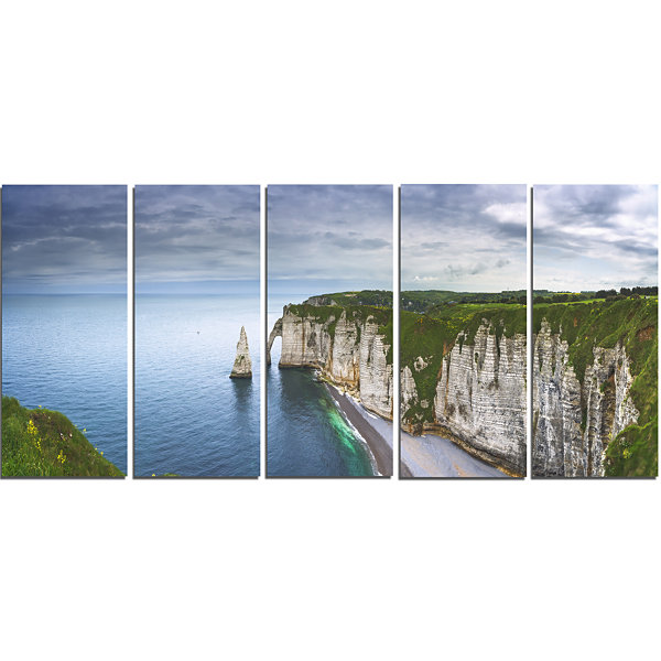 Designart Etretat Aval Cliff And Rocks Oversized Beach Canvas Artwork - 5 Panels