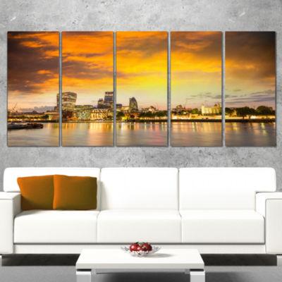 Designart Financial District Of London At TwilightCityscapeCanvas Print - 5 Panels