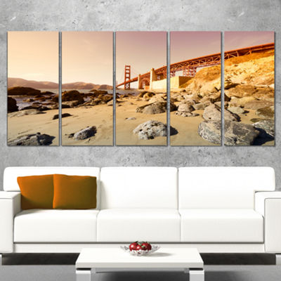 Designart Golden Gate In Bright Day Landscape Wrapped CanvasArt Print - 5 Panels