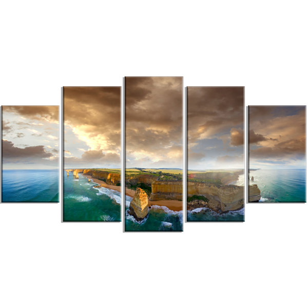Designart Great Ocean Road Australia Blue Large Seascape ArtWrapped Canvas Print - 5 Panels
