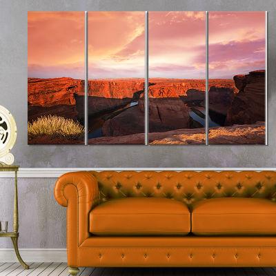Designart Horse Shoe Bend Under Cloudy Sky Landscape CanvasArt Print - 4 Panels