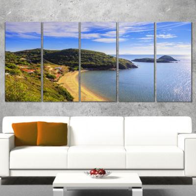 Designart Innamorata Beach And Gemini Islets ExtraLarge Seashore Wrapped Canvas Art - 5 Panels
