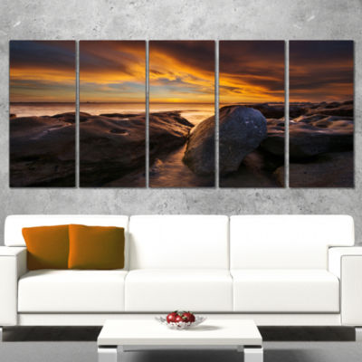 Designart La Perhouse Beach Sydney Seascape Wrapped Canvas Art Print - 5 Panels