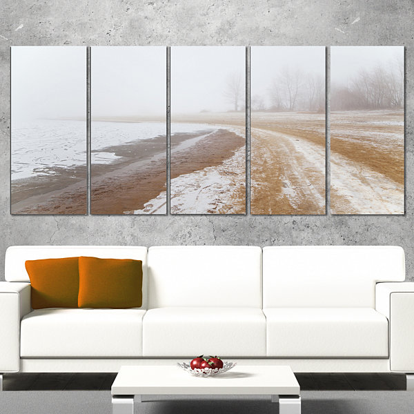 Designart Sandy Beach in the Winter Fog Modern Seashore Canvas Art - 5 Panels