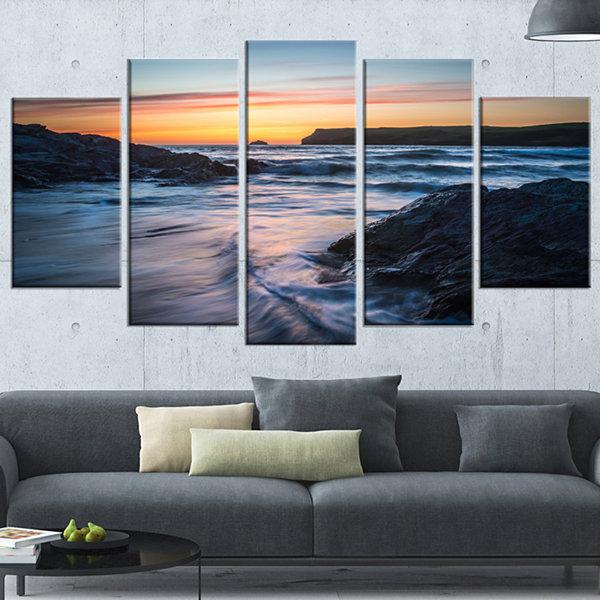 Designart Setting Sun at Polzeath Beach Modern Seascape Wrapped Artwork - 5 Panels