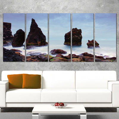 Designart Sharp Rocky Coastline Raykjanes Extra Large Seashore Canvas Art - 5 Panels