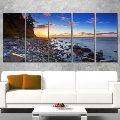 Designart Baltic Sea and Orlowo Cliff at SunriseSeascape Canvas Art Print - 4 Panels