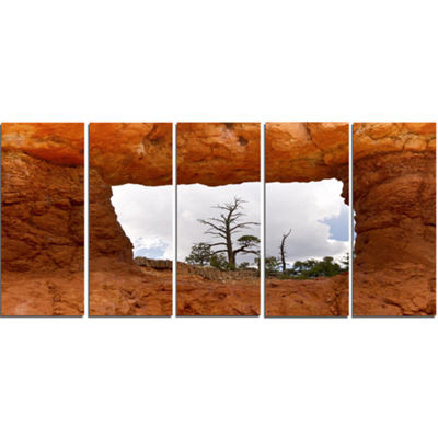 Designart Sky Through Red Canyon Window Contemporary Landscape Canvas Art - 5 Panels