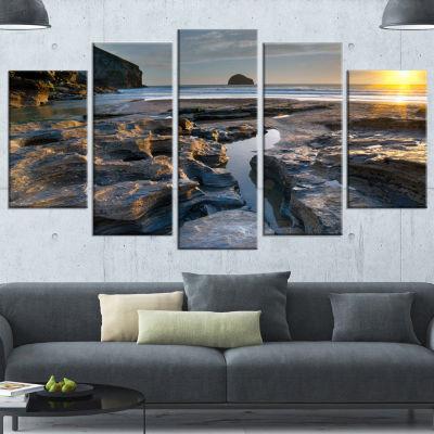 Designart Beach at Trebarwith in Cornwall ModernSeashore Canvas Art - 5 Panels
