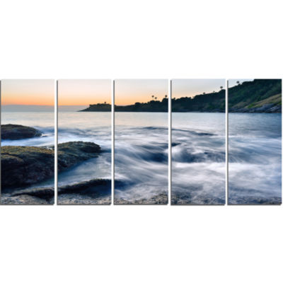 Slow Motion Sea Waves Over Rocks Modern Seascape Canvas Artwork - 5 Panels