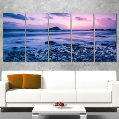 Designart Slow Motion Waves on Rocky Beach ModernSeascape Canvas Artwork - 5 Panels