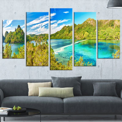 Designart Snake Island Panorama Landscape Photo Canvas Art Print - 4 Panels