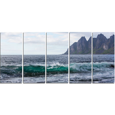 Designart Beautiful Lofoten Island Norway Large Seashore Canvas Print - 5 Panels