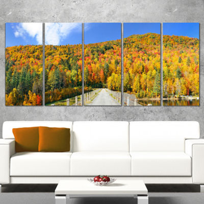 Designart Stowe Countryside View Panorama Landscape Canvas Art Print - 4 Panels