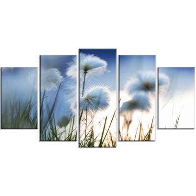 Designart Beautiful Polar White Flowers Floral Wrapped Canvas Art Print - 5 Panels