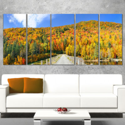 Designart Stowe Countryside View Panorama Landscape Canvas Art Print - 5 Panels