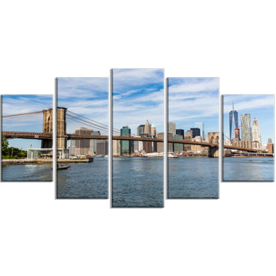 Designart Summer Day Brooklyn Bridge Large Cityscape CanvasPrint - 5 Panels