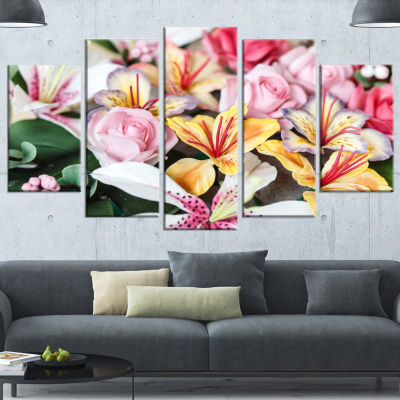 Designart Beautiful Sugar Flower Decoration FlowerArtwork On Canvas - 4 Panels