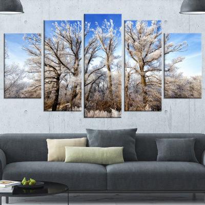 Designart Beautiful Winter Evening View Large Landscape Canvas Art - 5 Panels