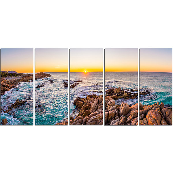 Designart Sunrise at Freycinet Np Beach LandscapeCanvas ArtPrint - 5 Panels