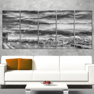 Designart Black and White Panoramic London Cityscape CanvasPrint - 4 Panels