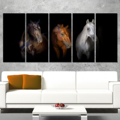 Designart Black Red and White Horses Animal CanvasArt Print- 5 Panels