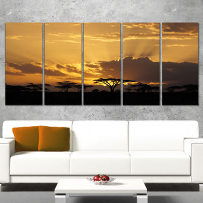 Designart Sunset in Africa with Acacia Tree ExtraLarge Landscape Canvas Art - 5 Panels