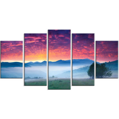 Designart Blood Red Sky and Green Grass LandscapePhoto Canvas Art Print - 5 Panels