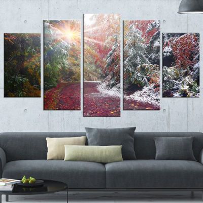 Designart Breathtaking View of Aline Forest Landscape Photography Canvas Print - 5 Panels