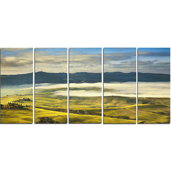 Designart Tuscany Farmland and Green Fields Oversized Landscape Wall Art Print - 5 Panels